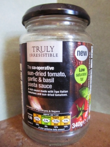 The Co operative Tomato and Garlic Pasta Sauce