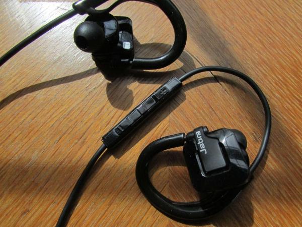... Jabra Step Wireless: Jabra Step Wireless Bluetooth Earbuds (with Mic) Review ...