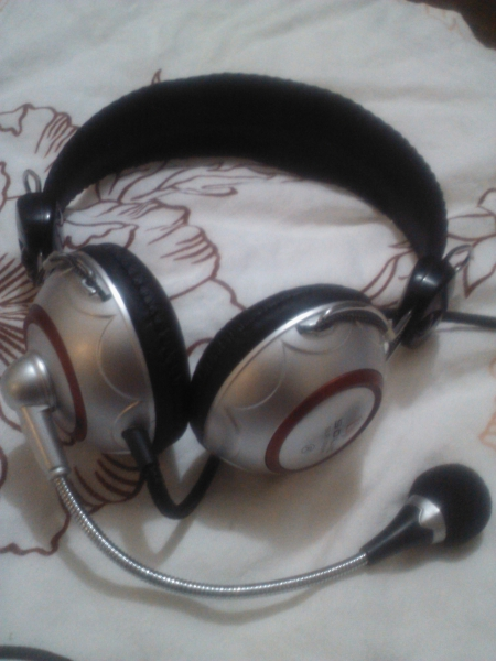 Solic SLR-306 MV Stereo Headphones